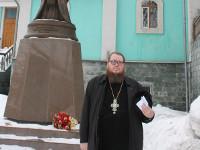 Около храма свт. Николая
