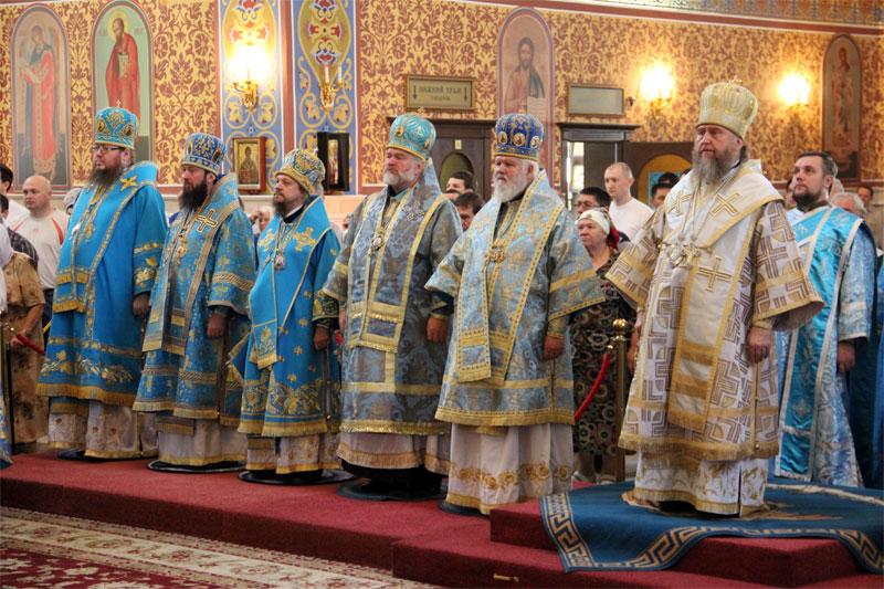 Митрополичья служба в главном храме Казахстанской Митрополии