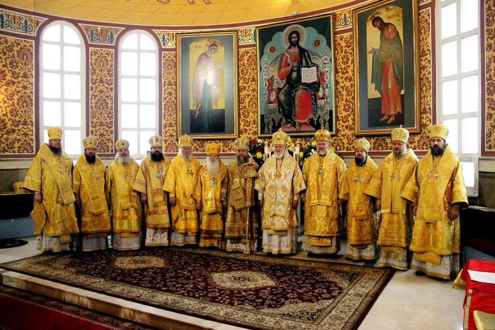 Литургия с участием всех архипастырей Казахстана в главном храме страны