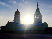 Первая литургия в новом крестильном храме в честь священномученика Мефодия Петропавловского