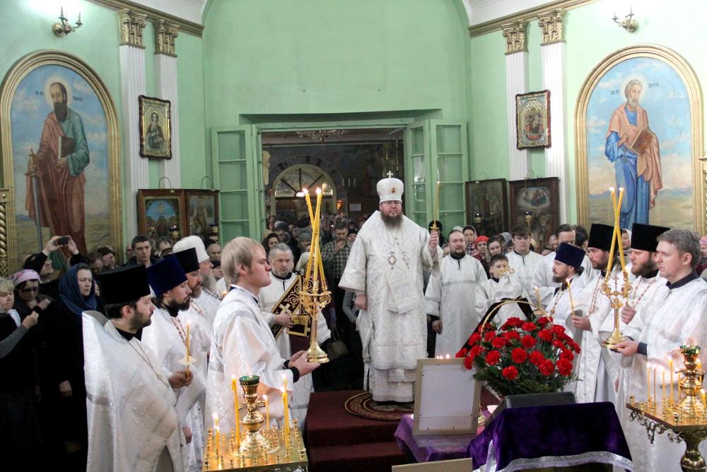 Родительская суббота третьей седмицы Великого поста. Епископ Владимир совершил Божественную Литургию в Петро-Павловского соборе