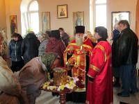 Прихожане храма Матроны Московской с радостью встретили ковчег с частицею мощей святителя Луки Крымского