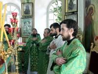 В день Святого Духа епископ Владимир совершил Божественную Литургию в Петро-Павловском соборе города Петропавловска