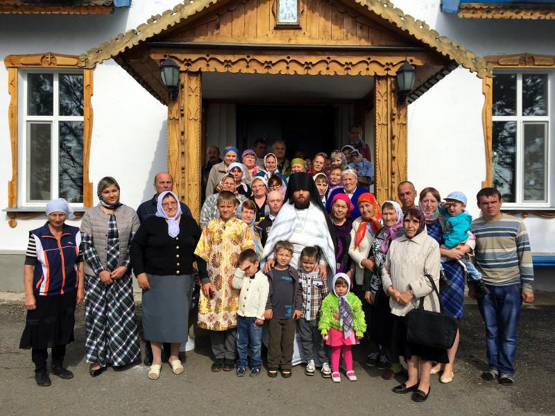 Воскресное богослужение в храме Введения во храм Пресвятой Богородицы с. Саумалколь