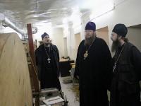 Молебен прп. Далмату Исетскому перед его честными мощами