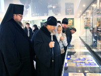 Глава митрополичьего округа митрополит Александр посетил епархиальный музей  в Петропавловске