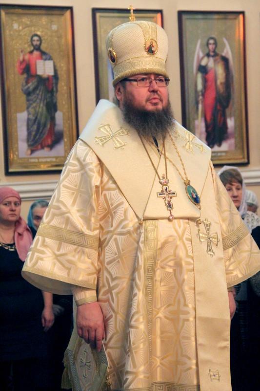 В Неделю 30-ю по Пятидесятнице епископ Петропавловский и Булаевский Владимир возглавил Божественную Литургию в кафедральном соборе Вознесения Господня