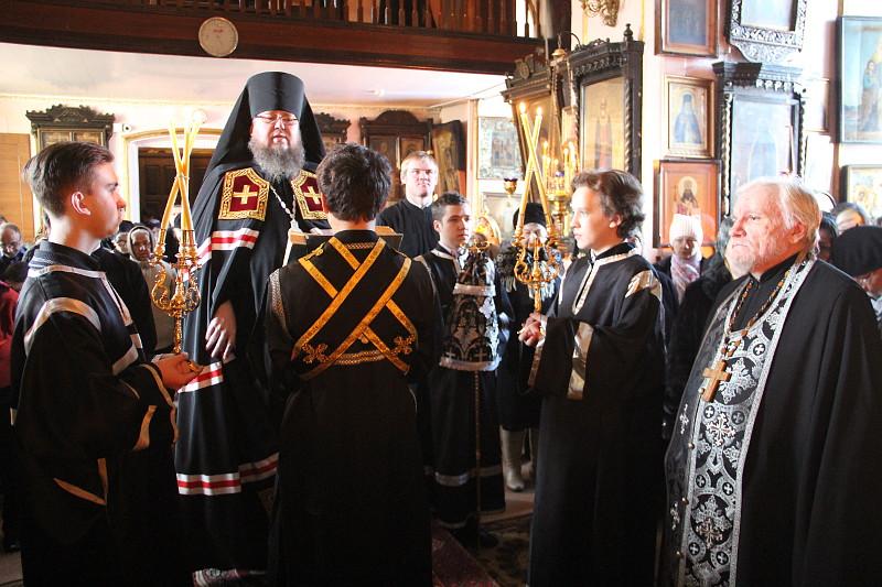 Правящий архиерей продолжил чтение Великого покаянного канона Андрея Критского в храме Всех Святых