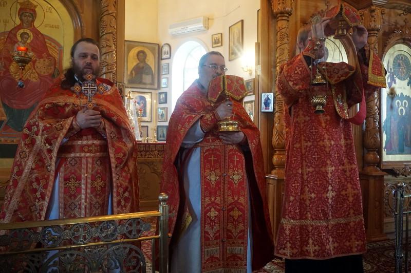 Неделя 4-я по Пасхе о Расслабленном. Праздник святителя и чудотворца Николая