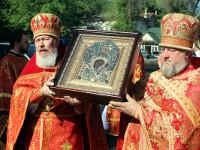 Правящий архиерей принял участие в торжествах в честь 70-летия возвращения собора святителя Николая Православной Церкви