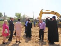 Епископ Петропавловский и Булаевский Владимир посетил строительный участок будующего Севастиано-Магдалининского храма