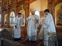 Служение Преосвященного Владыки Владимира на Троицкую родительскую субботу