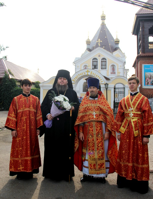 В праздник Рождества Предтечи Господня Иоанна епископ Владимир совершил Божественную Литургию в храме Всех Святых города Петропавловска