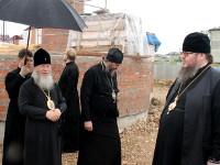Преосвященные архипастыри посетили строящийся Севастиано-Магдалининский храм в микрорайоне «Береке» города Петропавловска