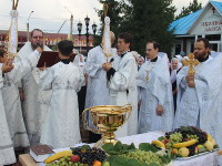 В праздник Преображения Господня правящий архиерей возглавил служение в Кафедральном Соборе