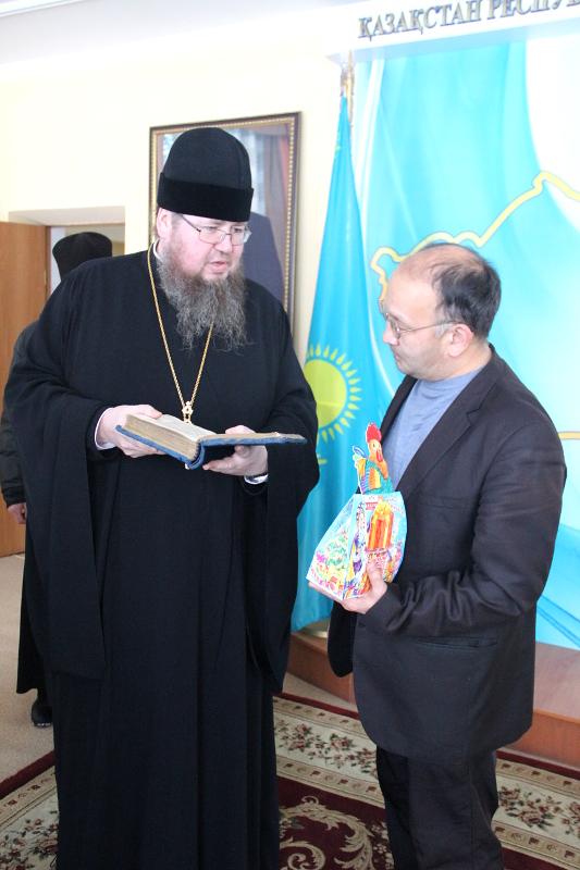 Божественная Литургия в Свято-Никольском кафедральном соборе города Булаево