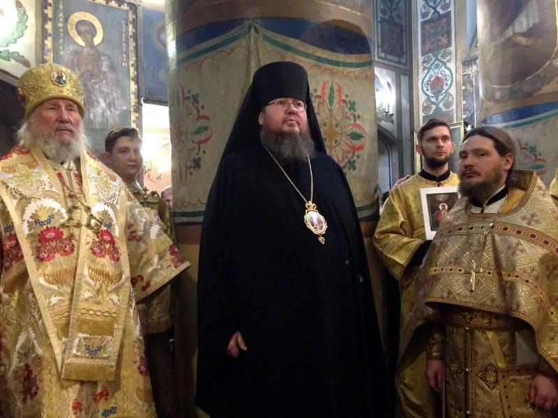 Преосвященнейший епископ Владимир помолился у чтимой иконы Пресвятой Богородицы «Державная» в Коломенском