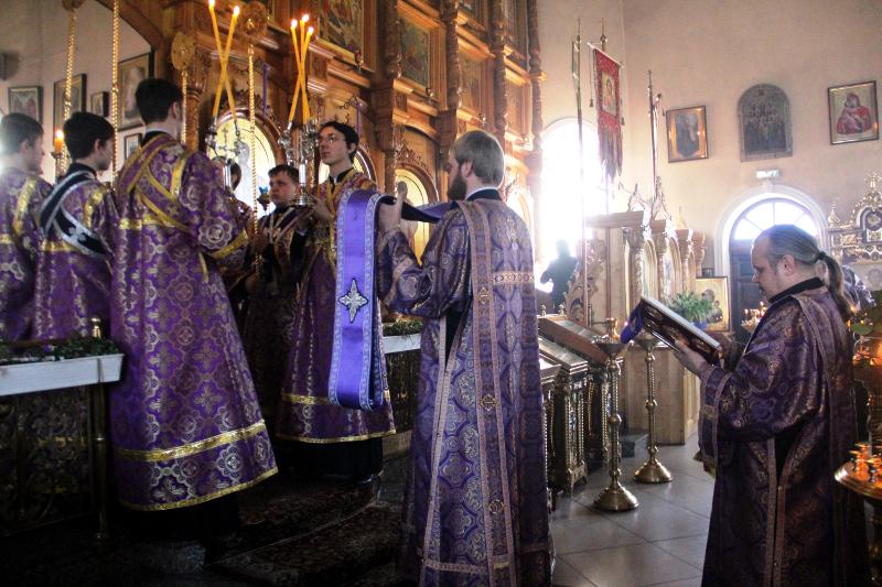 Соборная Божественная Литургия в главном храме епархии