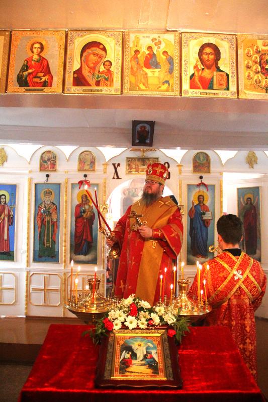 Архиерейское богослужение в Архангельском храме села Пресновка
