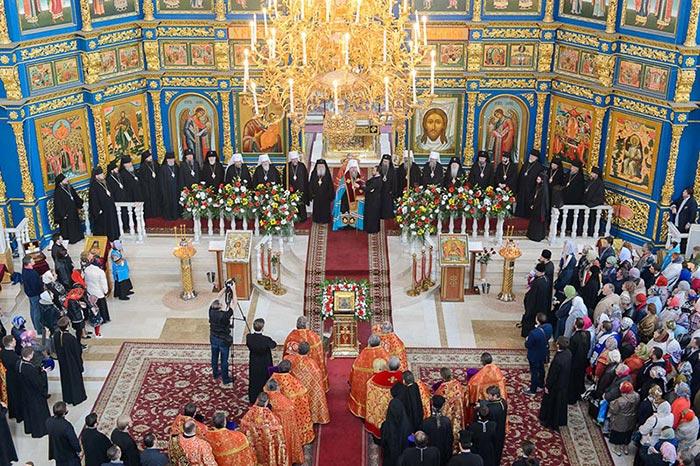 В главный храм страны принесена мироточивая икона Божией Матери «Умягчение злых сердец»
