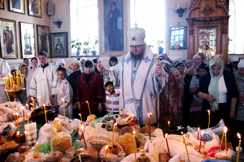 Троицкая родительская суббота в кафедральном соборе
