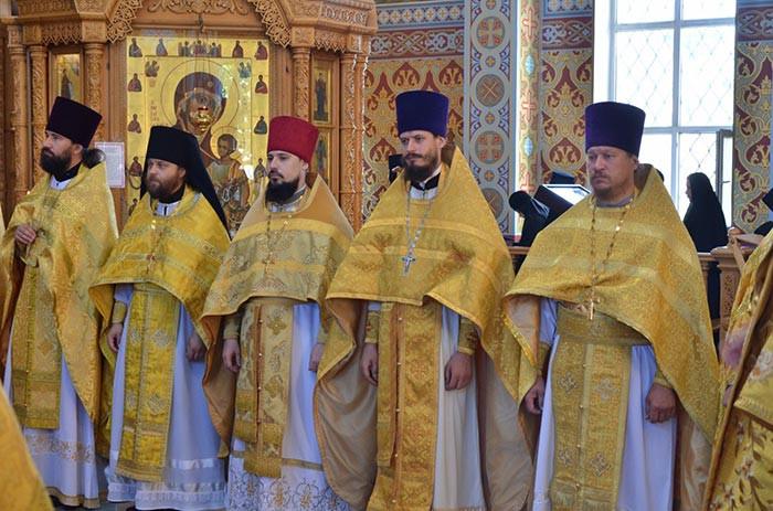 Клирик Петропавловской и Булаевской епархии получил диплом об окончании Алматинской духовной семинарии