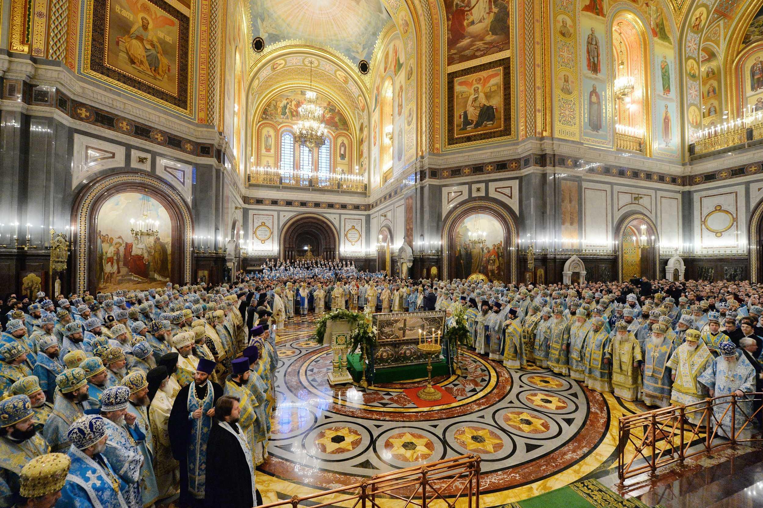 Епископ Петропавловский и Булаевский Владимир принял участие в соборном богослужении в храме Христа Спасителя г. Москвы