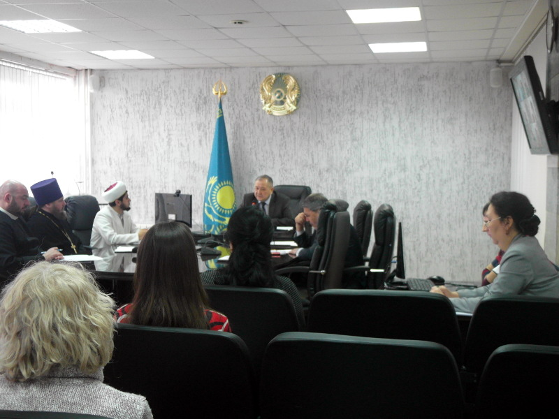 Секретарь Епархиального управления принял участие в заседании Совета по связям с религиозными объединениями области
