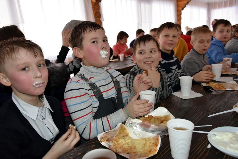 Праздник масленицы в школе прп. Сергия Радонежского