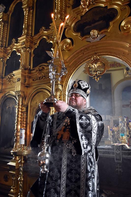 Первая литургия в этом Великом посту архиерейским чином