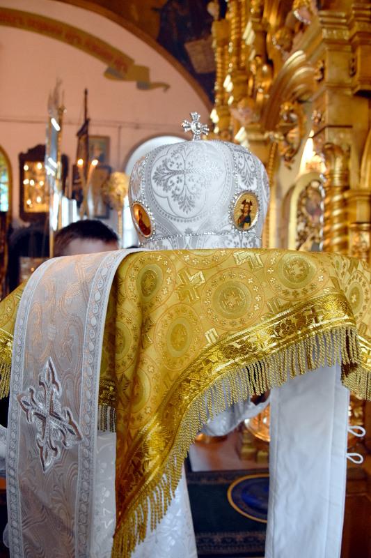 Архиерейское богослужение в субботу 6-й седмицы Великого Поста. Воскрешение праведного Лазаря