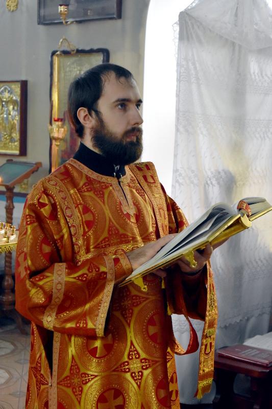 Архиерейское богослужение в понедельник Светлой Седмицы