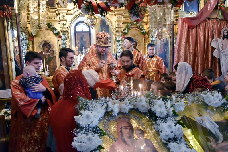 Архиерейское богослужение во вторник Светлой Седмицы