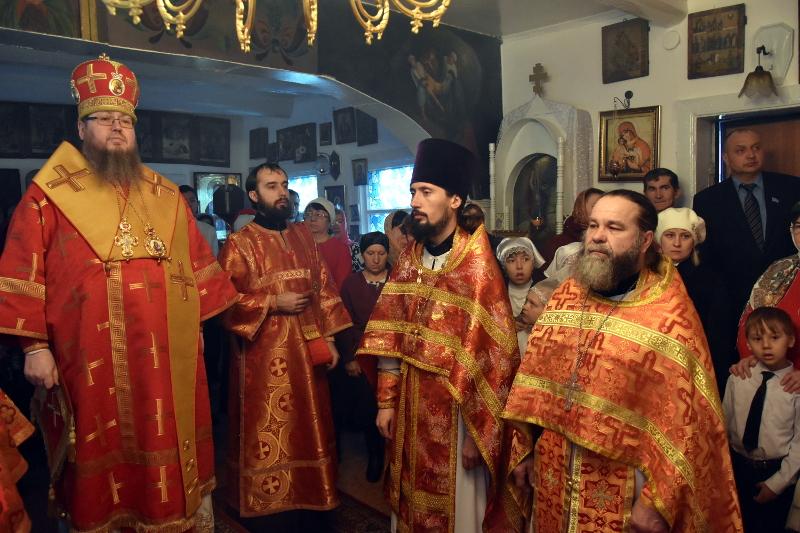 Служение епископа Владимира в Светлую Среду