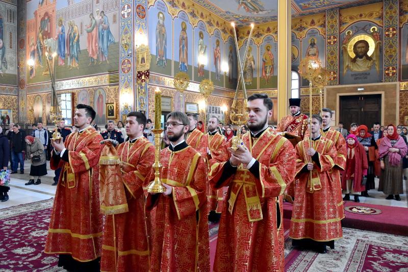 Правящий архиерей принял участие в Божественной Литургии в главном храме Казахстана в честь 73-ей годовщины Великой Победы