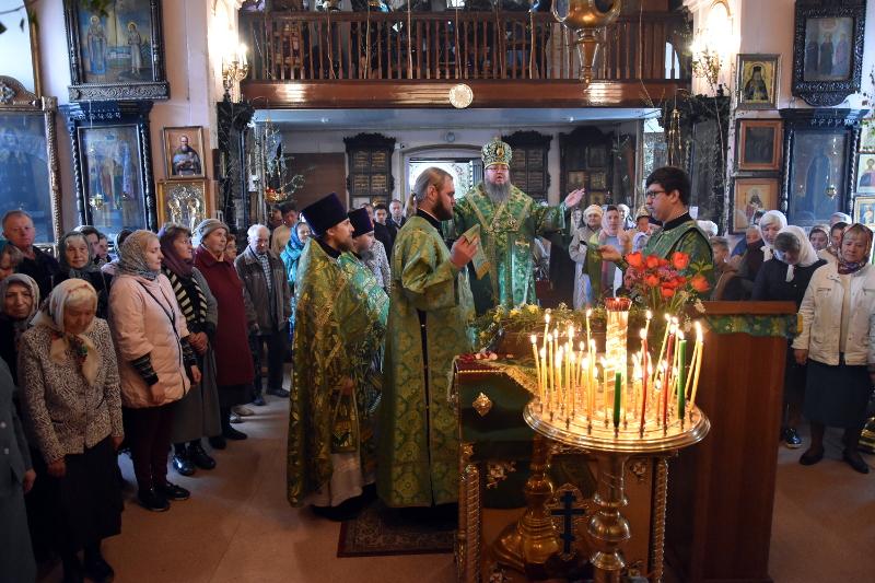 Архиерейское богослужение в День Святого Духа