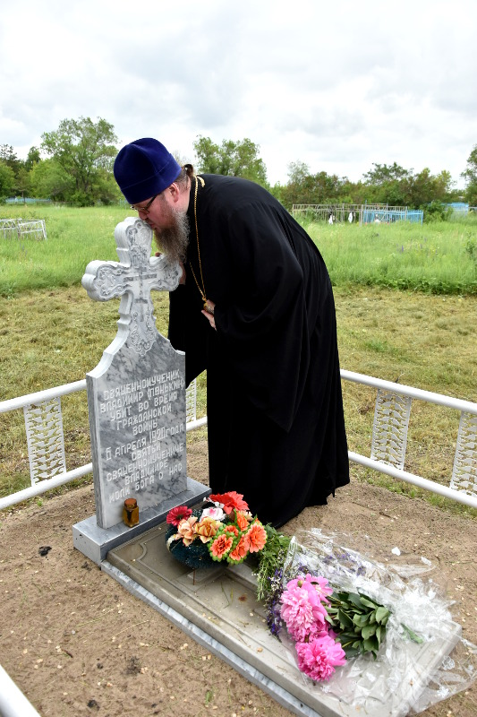 Епископ Петропавловский и Булаевский Владимир совершил Божественную Литургию в селе Благовещенка