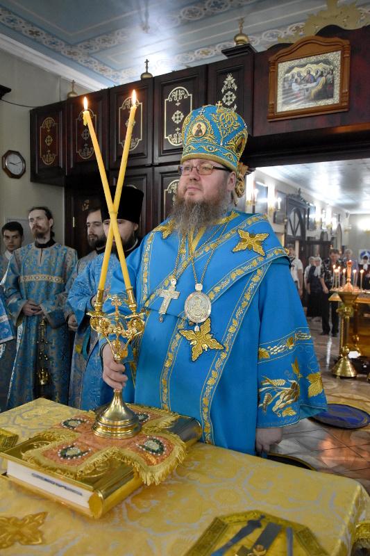 Архиерейское богослужение в праздник Тихвинской иконы Божией Матери