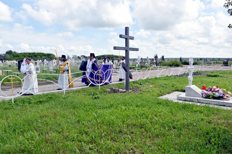 Освящение поклонного креста и места для погребения духовенства епархии состоялось в Петропавловске
