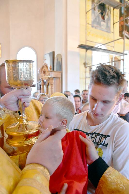 Архиерейское богослужение в Неделю 7-ю по Пятидесятнице