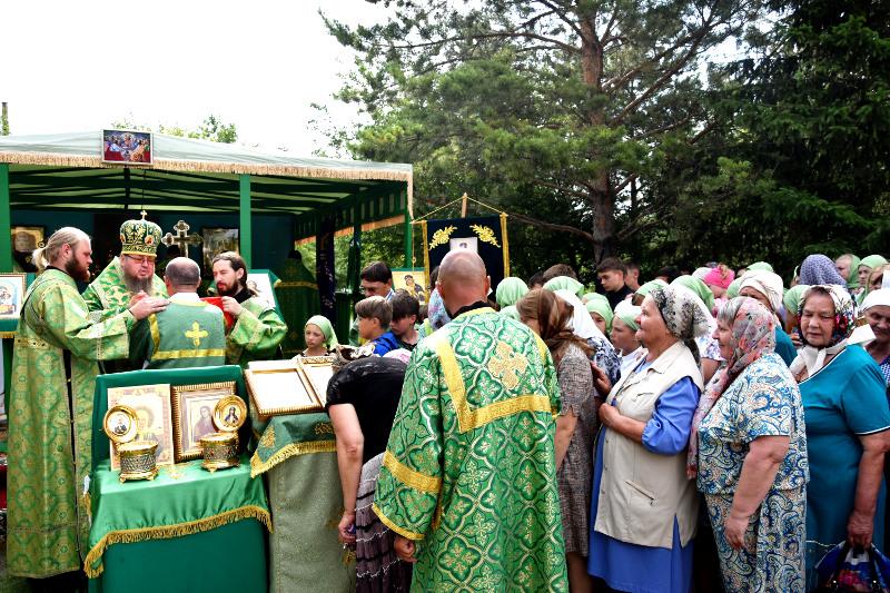 Правящий архиерей возглавил Божественную Литургию в престольный праздник города Сергеевка