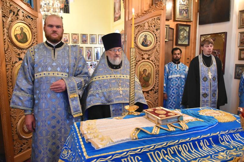 Чин погребения плащаницы Пресвятой Богородицы в кафедральном соборе