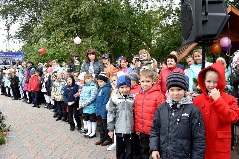 Правящий архиерей принял участие в празднике первого Звонка в епархиальной школе в честь прп. Сергия Радонежского