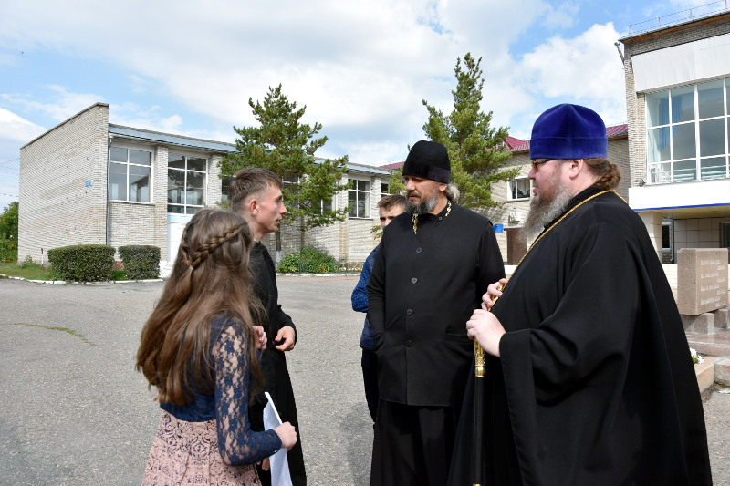Преосвященный епископ Владимир осмотрел достопримечательности Саумалколя