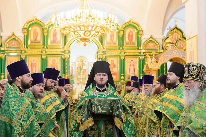 Преосвященнейший епископ Владимир принял участие в освящении Троице-Севастиановского собора города Караганды