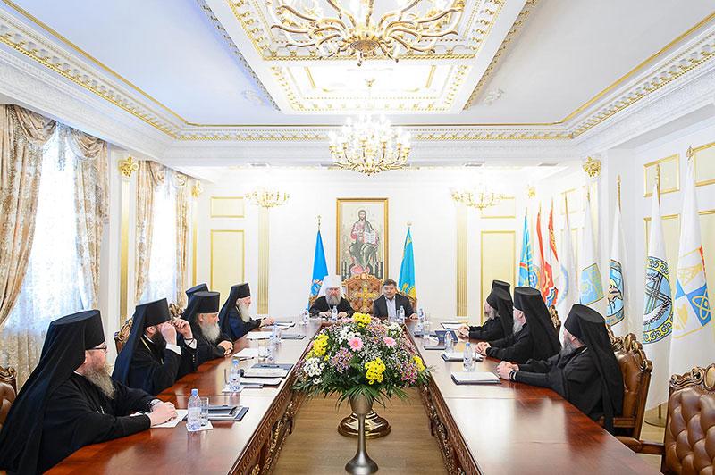 В Астане прошла встреча членов Синода Казахстанского Митрополичьего округа с министром общественного развития Республики Казахстан