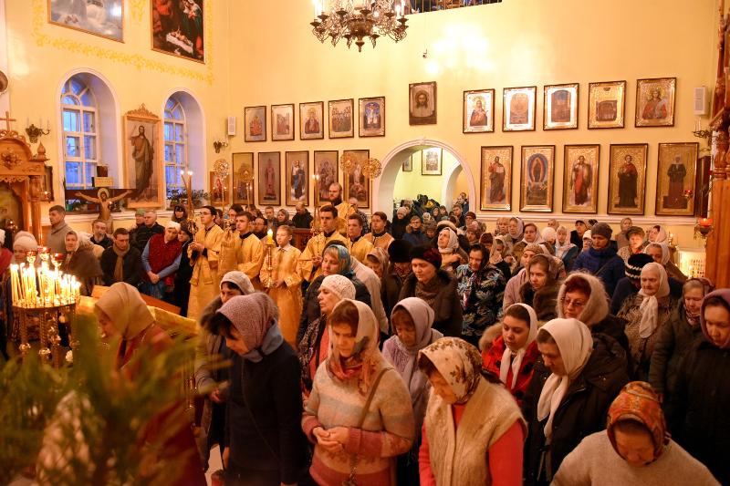 Божественная Литургия в Кафедральном соборе города Петропавловск