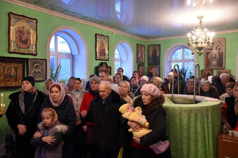 Архиерейская Литургия в престольный праздник крестильного храма в честь праведного Иоанна Кронштадтского