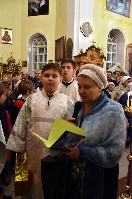 Духовенство епархии соборно отслужило праздничную вечерню в кафедральном соборе
