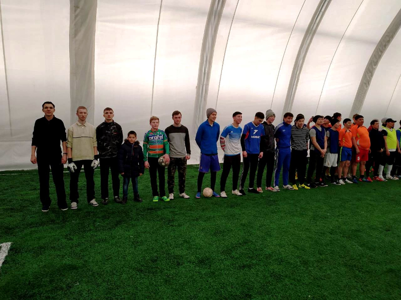 Товарищеский футбольный матч между представителями религиозных конфессий области